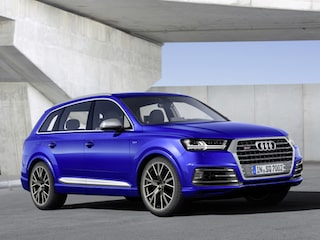 Audi SQ7 side view