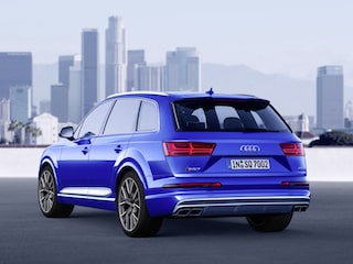Audi SQ7 back view