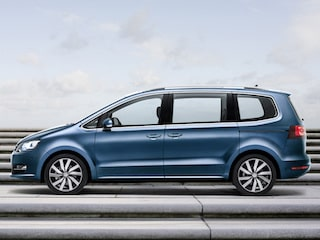 Volkswagen Sharan side view